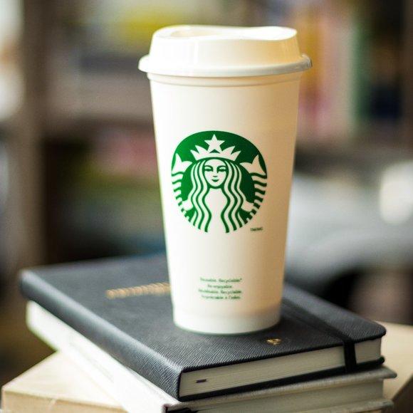 Starbucks | Reusable Plastic Cup - White, 16oz